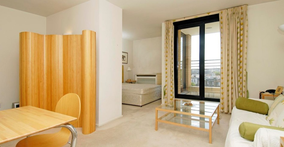 Chic apartment window treatments : Dizajn komnaty v odnokomnatnoj kvartire