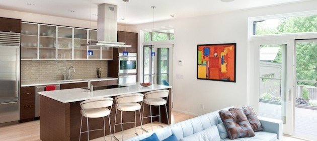 Идеи дизайна совмещенной кухни и гостиной в