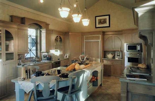 Дизайн-интерьер кухни в частном доме