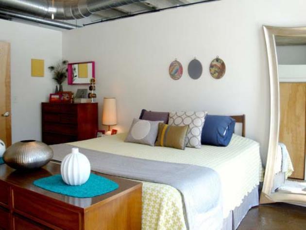 Дизайн маленькой спальни с элементами декора