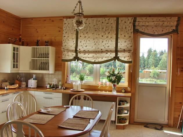 Дизайн большой кухни с балконом