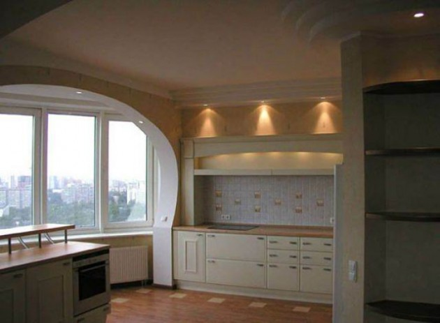 Расширение кухни за счет балкона