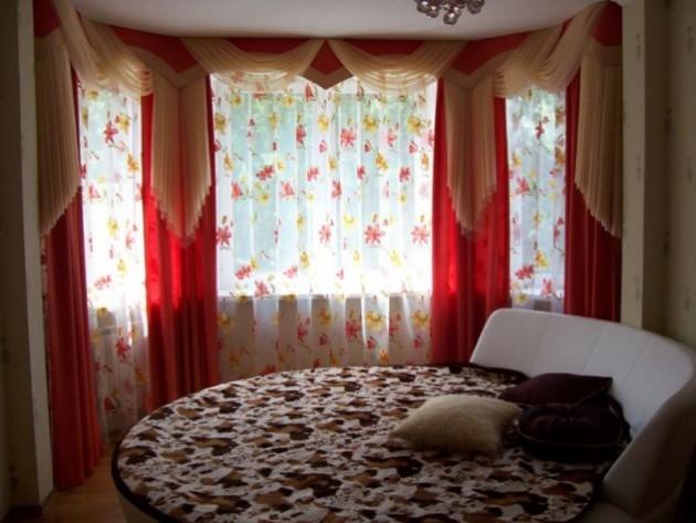 Шторы для спальни с круглой кроватью
