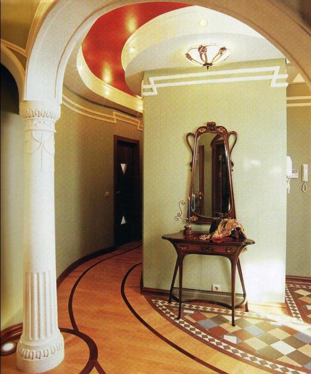 Дизайн прихожей с колоннами