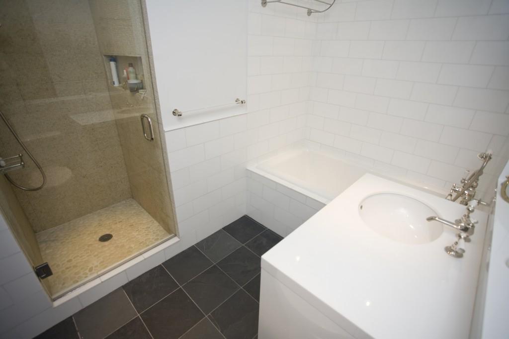 Small-Bathtubs-79