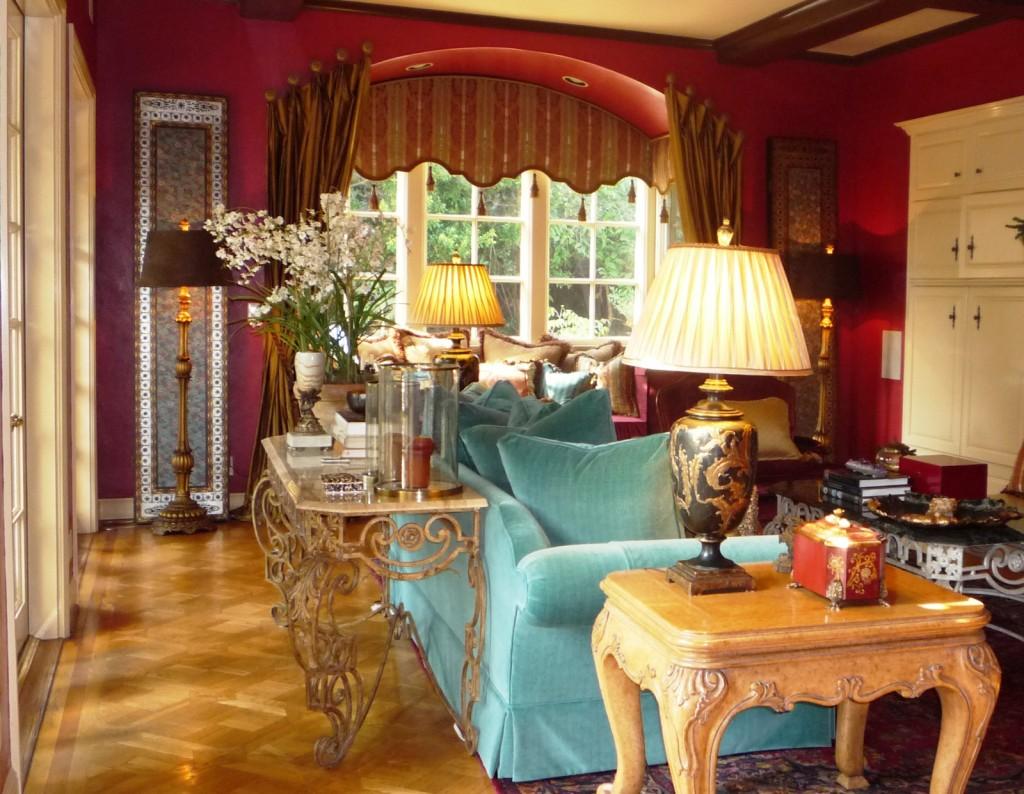retro-english-style-living-room