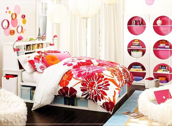 flowery-teenage-girls-rooms-ideas-600x441