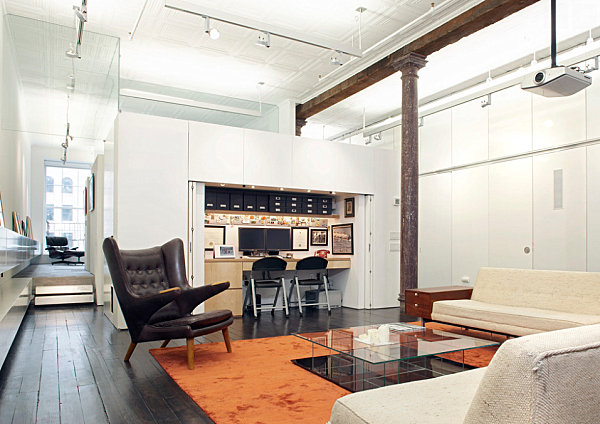 Compact-office-in-a-modern-loft