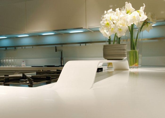ciesse-alequadro-kitchen-hi-macs-02_gqenxvze_f