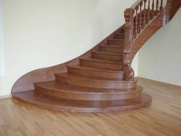 Специалисты могут создать лестницы различной формы и фактуры