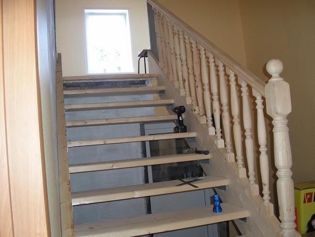 Деревянная лестница на второй этаж своими руками советы
