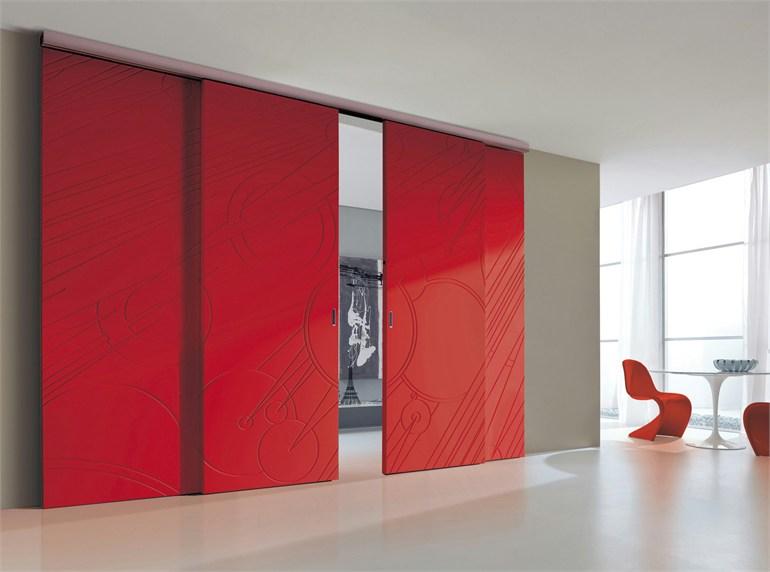 Красные раздвижные двери