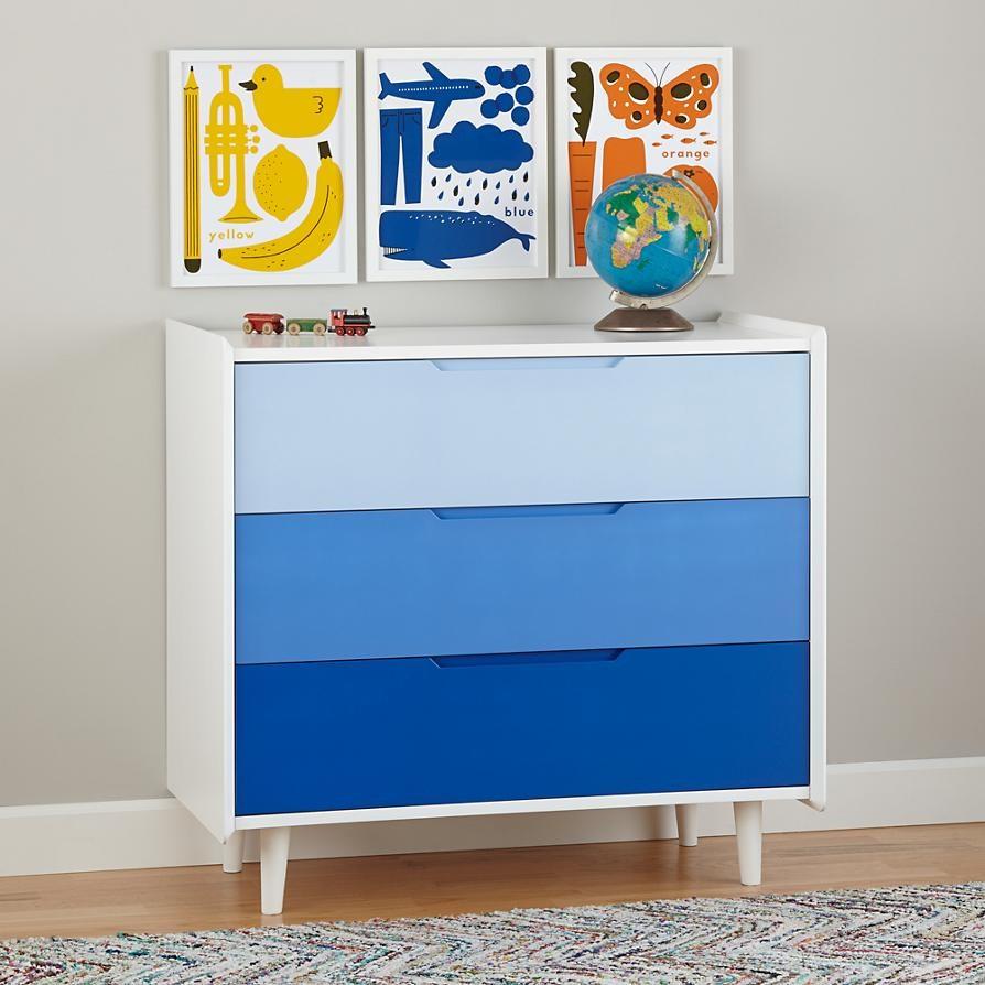 Синий комод с цветовым переходом.