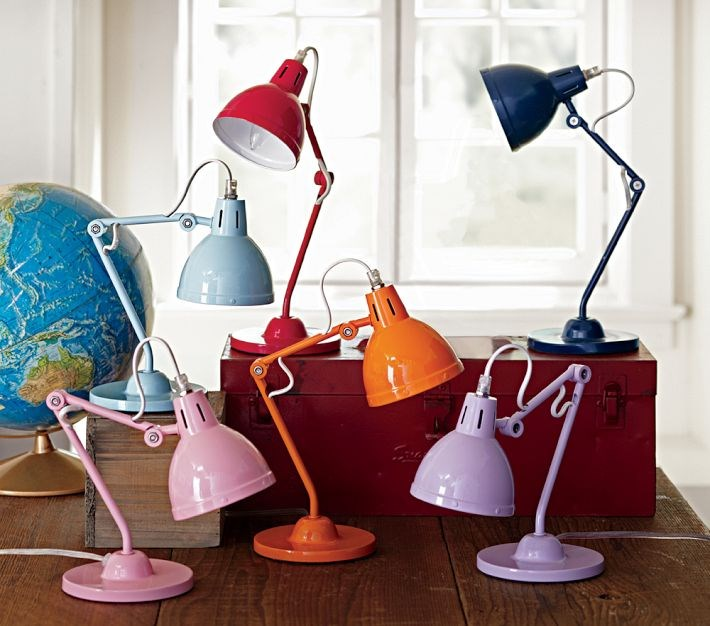 Task-lighting-from-Pottery-Barn-Kids
