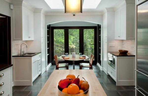Фарфоровая плитка в декоре современной кухни.