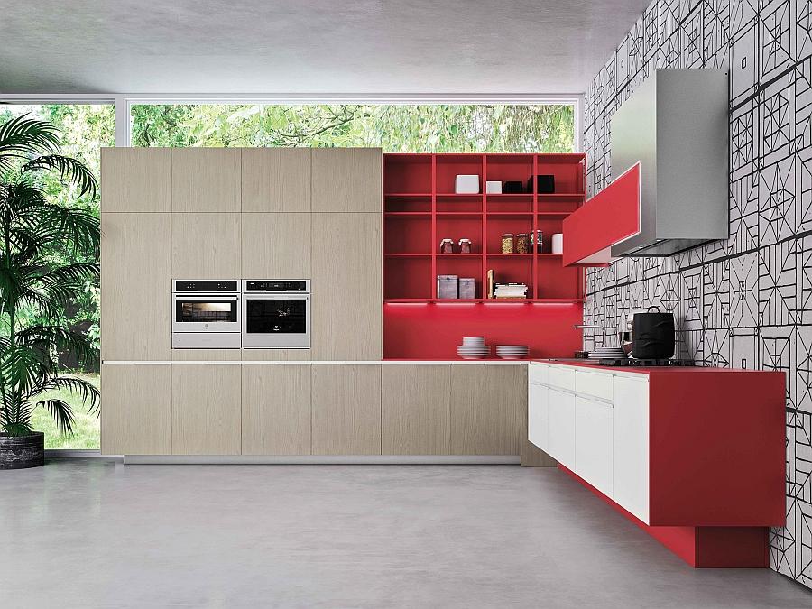 Встроенные плинтуса и окна от потолка до самого пола, добавят вашей кухне свободного пространства и простора.