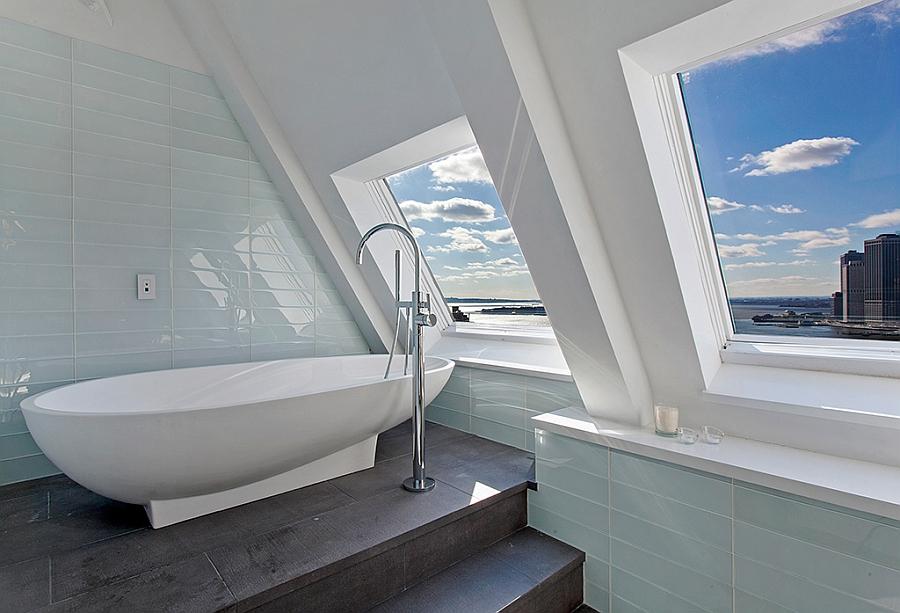 Современная ванная комната пентхауса.