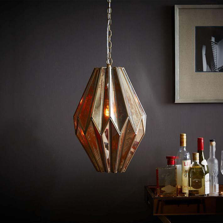 Стильный и элегантный подвесной светильник со множеством граней.