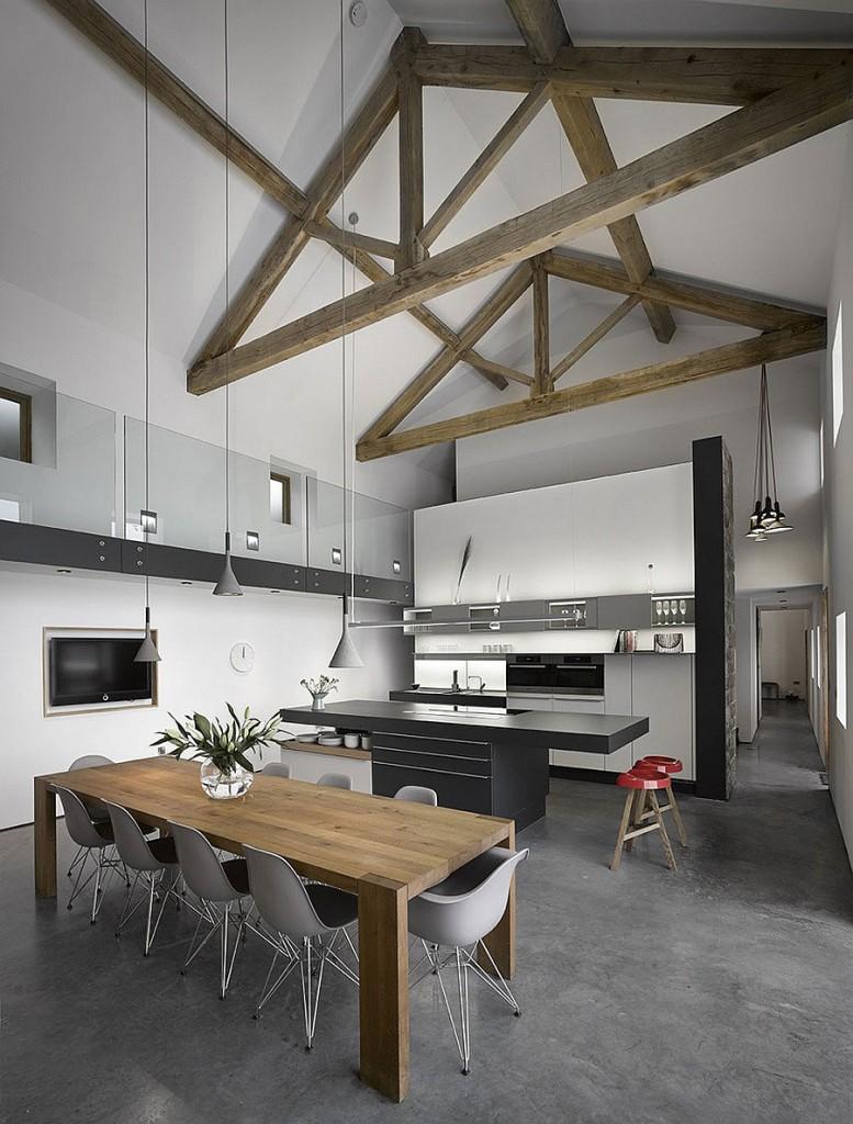 Стильная кухня и обеденная зона дома Cat Hill Barn.