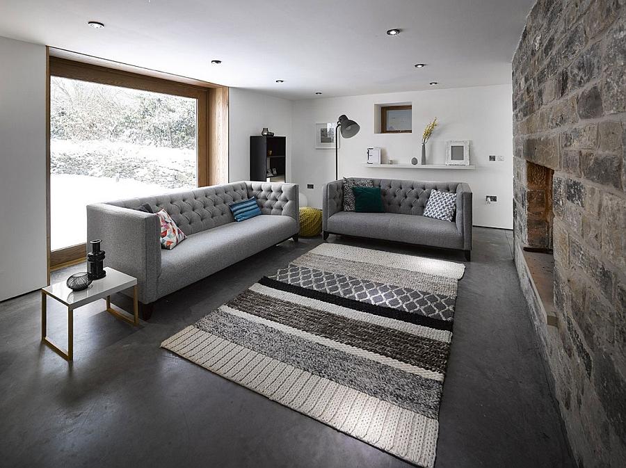 Небольшая уютная гостиная йоркширского дома.