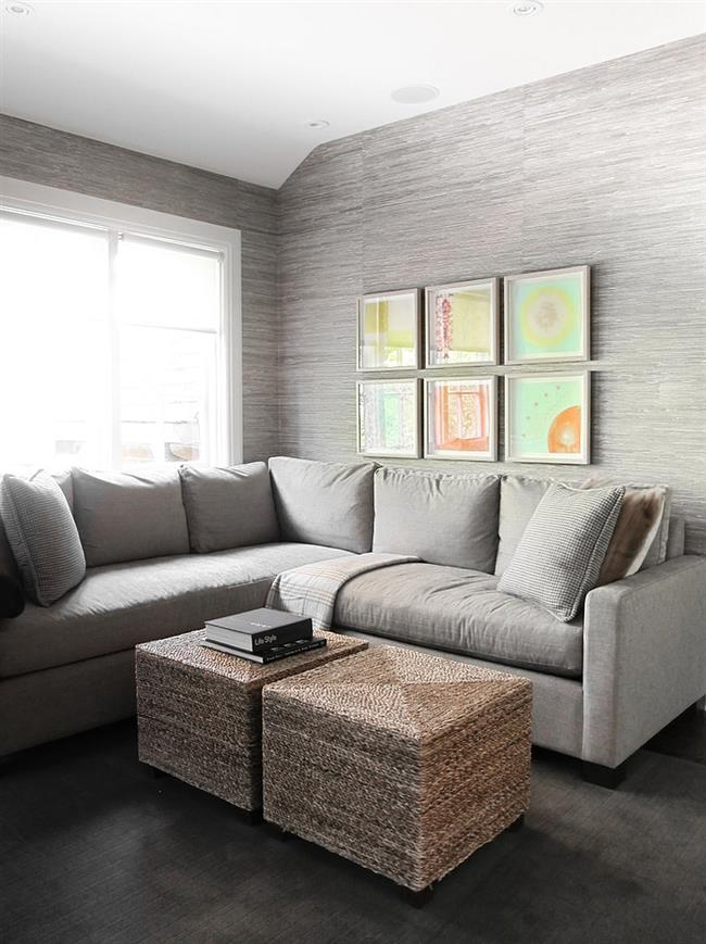 Комфортная гостиная светло-серых тонов и оттенков.