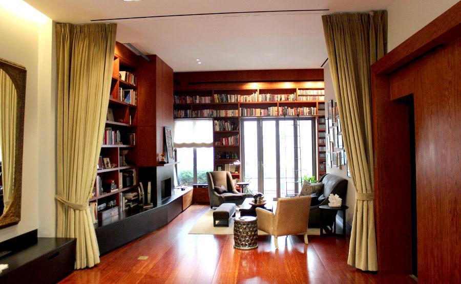 Уютный кабинет хозяина дома.