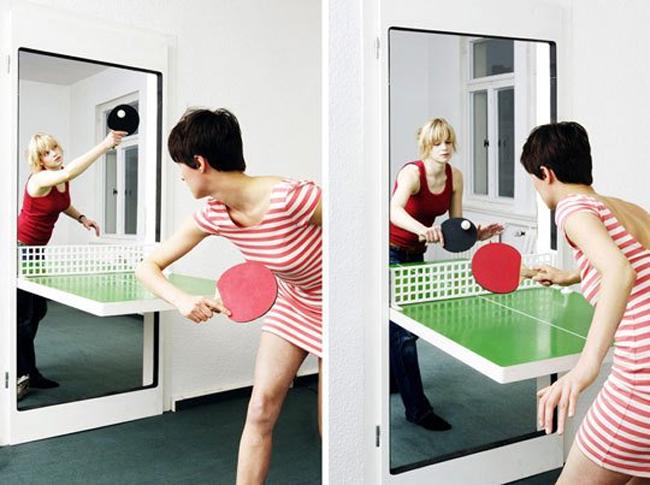 Дверь, которую легко можно превратить в стол для настольного тенниса от дизайнеров компании Tobias Fraenzel's.