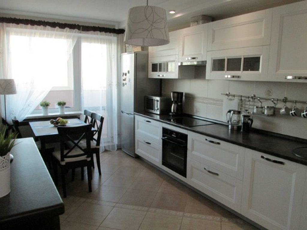 Оформляем кухню площадью 10 квадратных метров.с выходом на б.