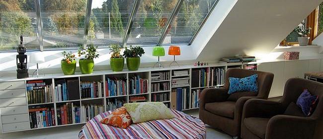 Как сделать на чердаке уютную гостиную: 10 лучших идей