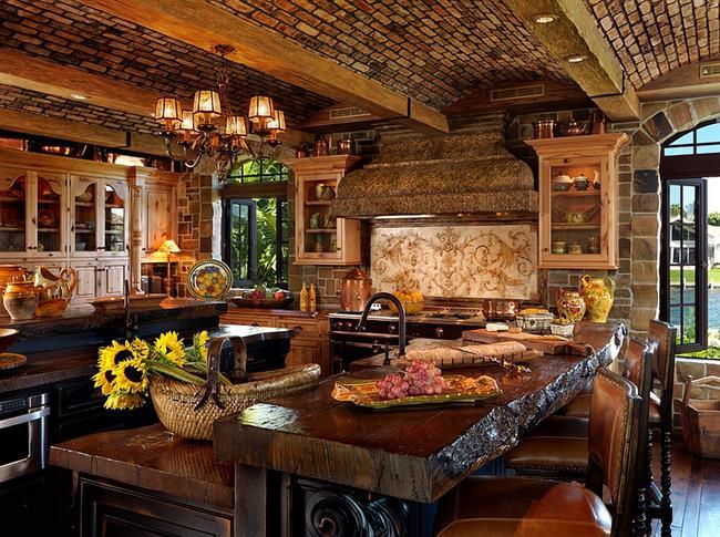 Теплые тона и оттенки, натуральное дерево в интерьере кухни.