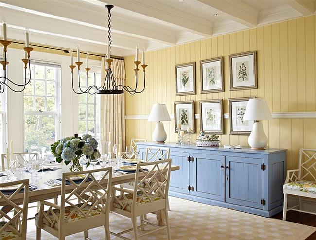 Beachy dining room