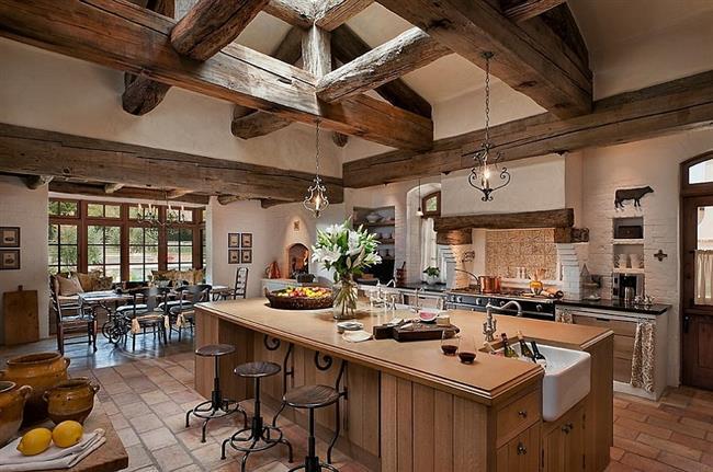 Деревянные балки для украшения потолка кухни.