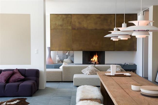 Стильная, уютная гостиная швейцарского дома.