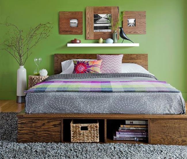 Кровать-шкаф в минималистической спальне.