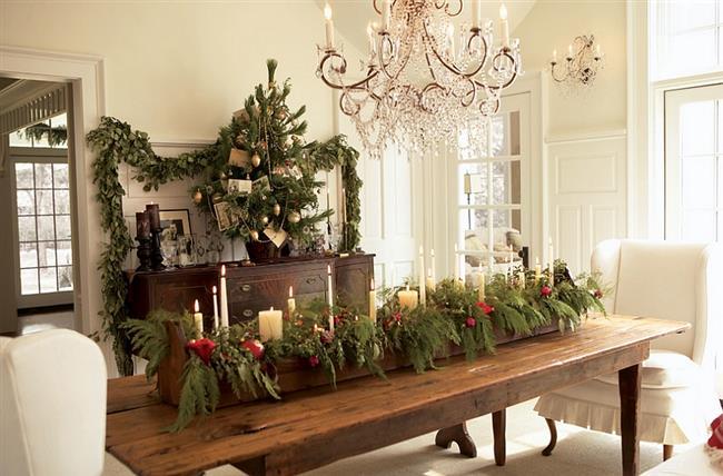 Праздничная и элегантная новогодняя столовая.