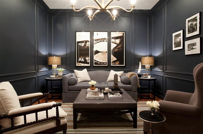 Элегантная столовая в темно-синих и серых цветах.