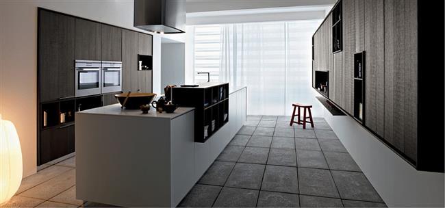 Подвесные шкафы в итальянских кухнях.