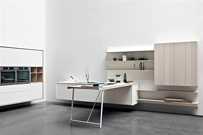 Стильная кухонная зона в минималистическом стиле.