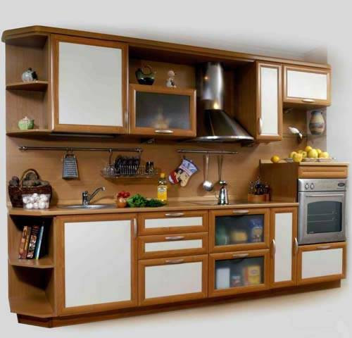 Для маленькой кухни большое значение имеет правильное расположение мебели