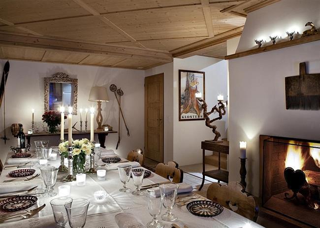 Изысканная и элегантная столовая небольшого отеля.