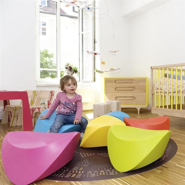 Небольшая детская с экологически чистой мебелью от Kalon.