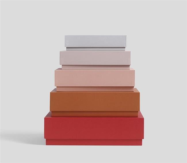 Разноцветные, вместительные коробки для домашнего кабинета