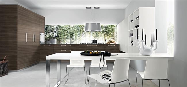 Элегантная мебель из темно-коричневого дуба.
