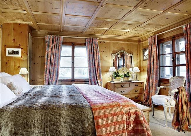 Комфортная спальня с роскошными видами.