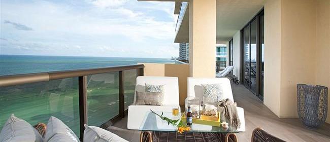Современный особняк в Майами в прибрежном стиле – эталон изысканности и стиля