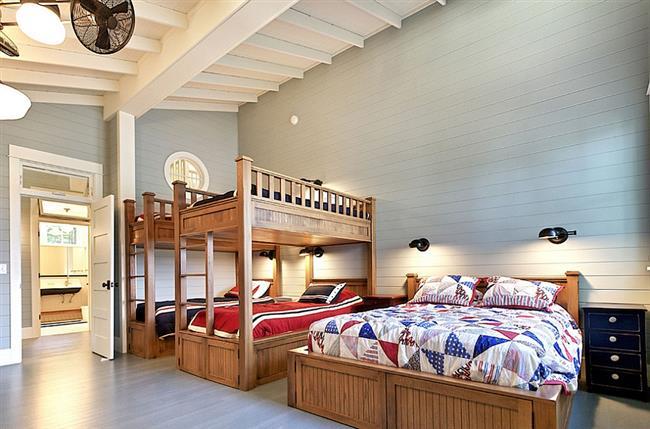 Светлая и уютная комната в стиле кантри.