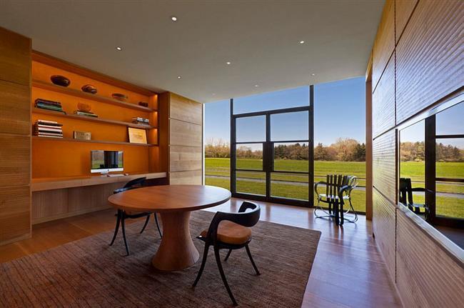 Стильный домашний кабинет в деревенском стиле.