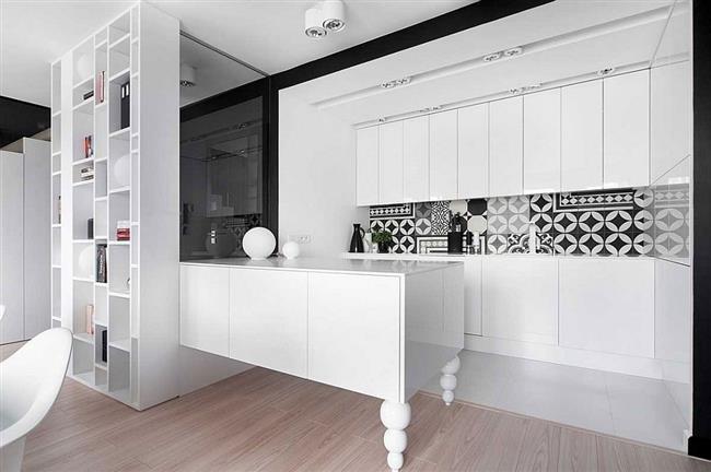 Многофункциональная и стильная кухня польской квартиры.