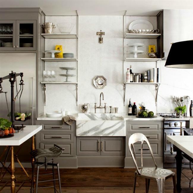 Мраморная мойка в интерьере современной кухни.