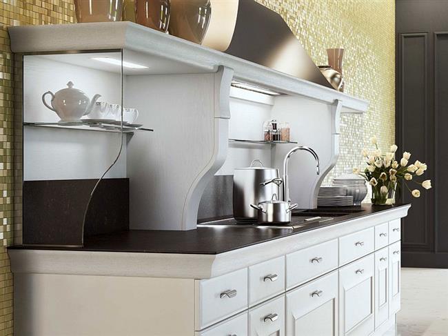 Золотой цвет в интерьере стильной кухни.